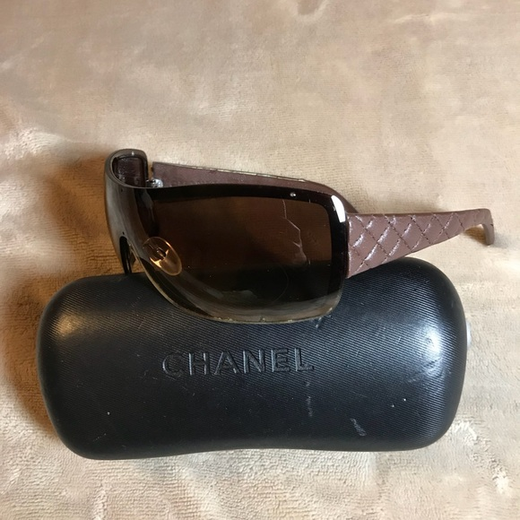 7002da48a2a6 Leather authentic CHANEL sunglasses